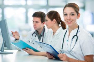 szkolenia bhp personelu medycznego Szkolenia BHP personelu medycznego shutterstock 119738170 300x200