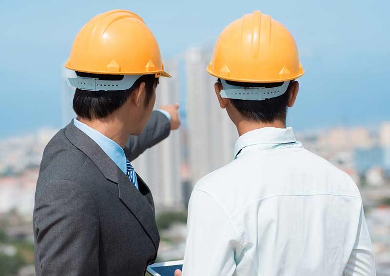 postaw na doświadczenie Usługi BHP i szkolenia BHP a koronawirus engineers talking work placement scheme